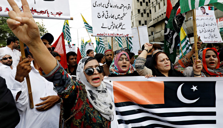 Pencabutan Status Khusus Kashmir, PM Pakistan: Kami Khawatir Ada Pembersihan Etnis - Warta Ekonomi