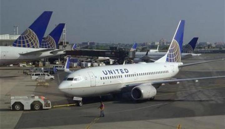 Maskapai United Airlines Batal Terbang, 2 Pilotnya Ketahuan. . . - Warta Ekonomi