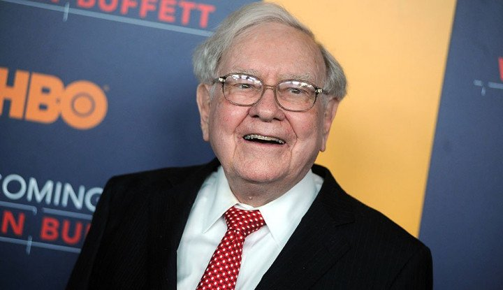 Foto Berita 13 Tahun Investasi Mobil Listrik China, Warren Buffett Kini Ketiban Durian Runtuh!