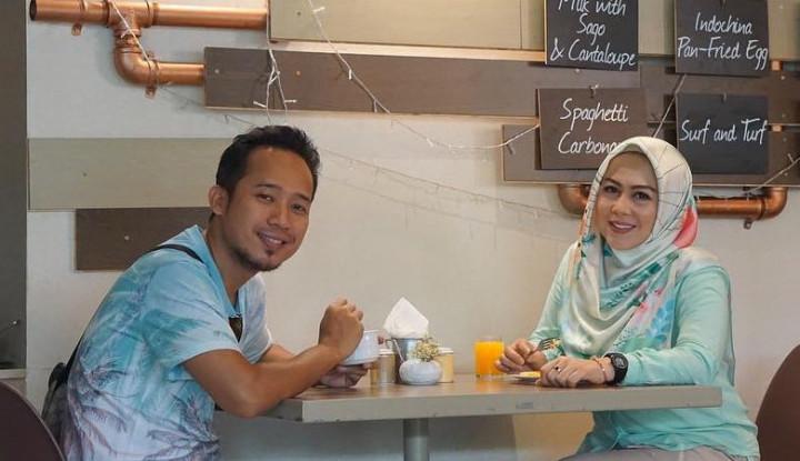 Istri Hamil Usai Ikut Program Bayi Tabung, Denny Cagur Bilang. . . - Warta Ekonomi