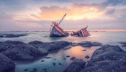 Ngeri! Kapal Perang AS Meledak, Puluhan Orang Terluka