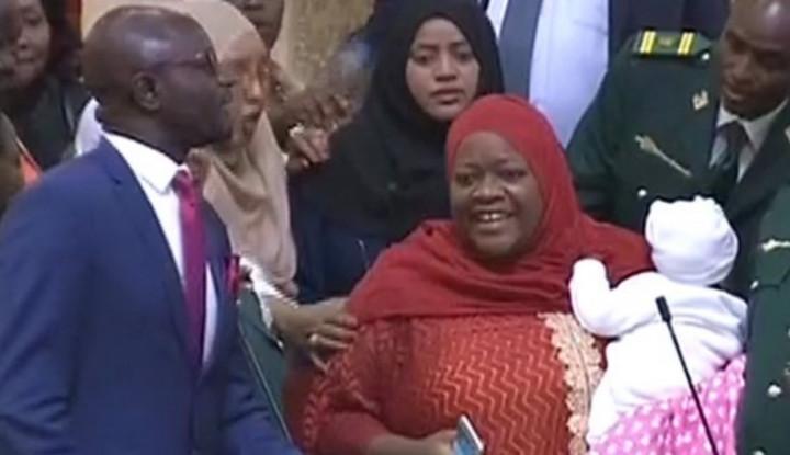 Bawa Bayi 5 Bulan ke dalam Gedung, Anggota Parlemen Kenya Diusir - Warta Ekonomi