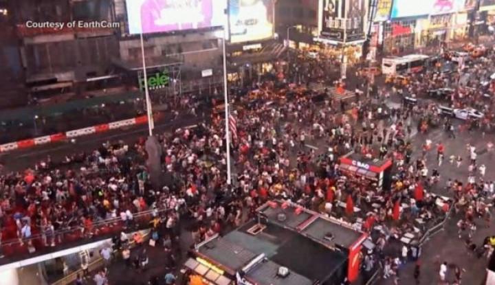 Video: Kepanikan Ratusan Warga di New York Dengar Suara Tembakan - Warta Ekonomi