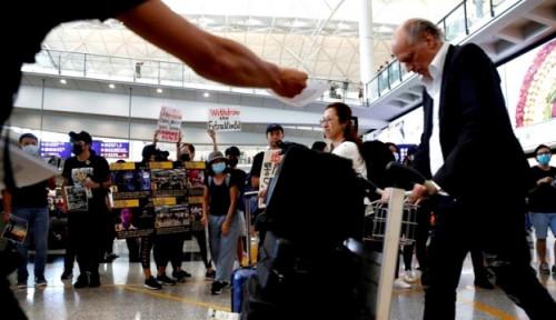 Foto Rugi, Industri Penerbangan di Hong Kong Rugi Rp500 Miliaran Per Hari