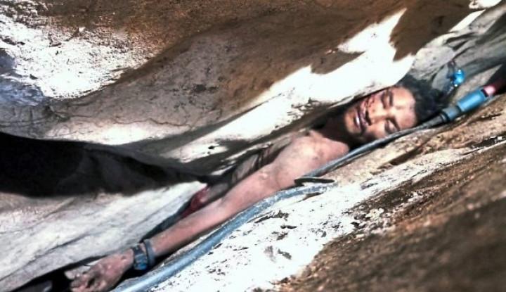 Duh, Pria Asal Kamboja Terjepit di Batu Selama 4 Hari - Warta Ekonomi