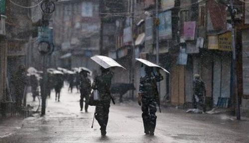 Foto Soal Kashmir, Presiden Pakistan: India Sudah Bermain Api