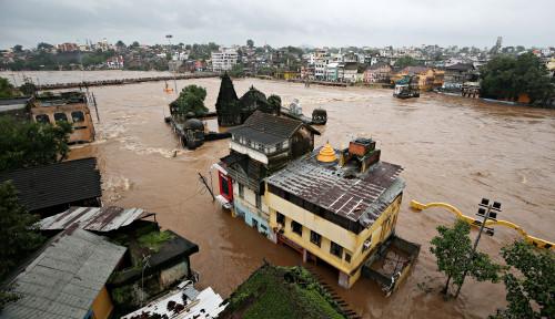 Foto Hujan Lebat dan Banjir Landa India, 147 Orang Tewas dan Ribuan Orang Harus Mengungsi