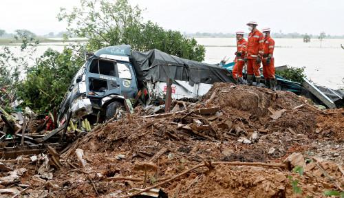 Foto Tanah Longsor di Myanmar Renggut 51 Korban Jiwa