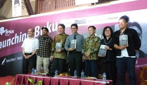 Foto Faisal Basri: Indonesia Kekurangan Tokoh yang Hidup Bersahaja