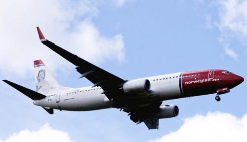 Foto Foto-foto Serpihan Pesawat Norwegian Air Jatuh Saat Mengudara di Italia