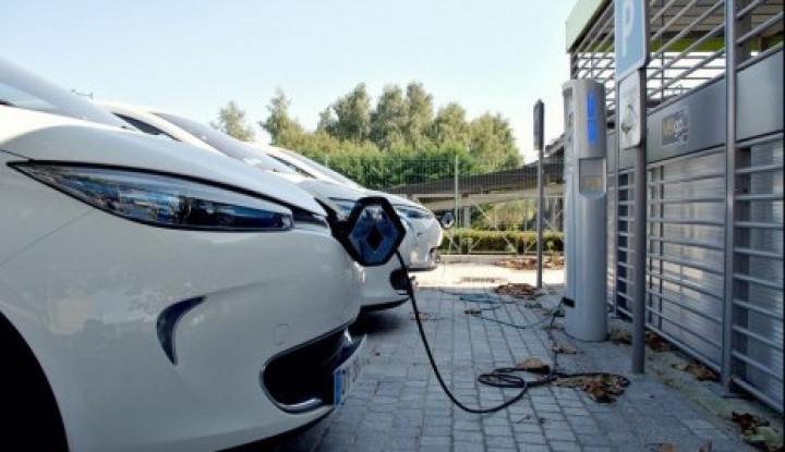 Toyota Tunggu Aturan Turunan Perpres Mobil Listrik - Warta Ekonomi