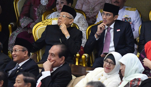 Foto Pimpinan MPR Berikan Undangan Pelantikan Jokowi-Ma'ruf