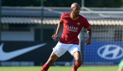 Foto AS Roma Resmi Lepas Gelandang Andalannya ke Galatasaray