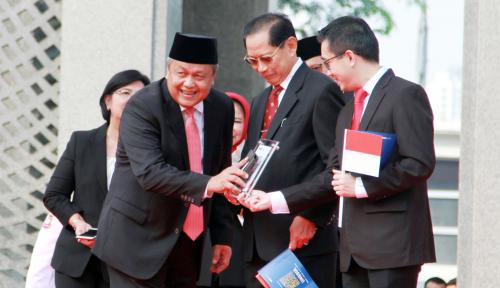 Foto BI Luncurkan Buku Agus Martowardojo: Pembawa Perubahan