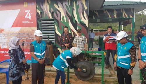 Foto HUT RI ke-74, Listrik PLN Resmi Mengalir di Desa Long Midang