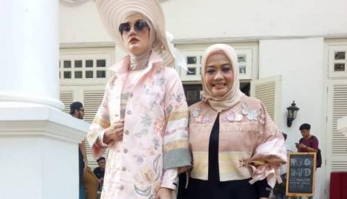 Foto Mengintip New York Fashion Week, Ada Kain Tenun Payakumbuh