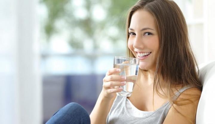 3 Langkah Mudah Membiasakan Minum Air Putih - Warta Ekonomi