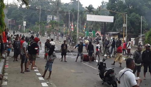 Foto Risma Beberkan Bukti Tak Ada Orang Papua Alami Diskriminasi di Surabaya