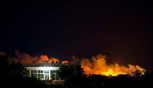 Foto Kebakaran Hebat Hanguskan Gran Canaria, 8.000 Orang Dievakuasi