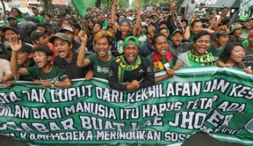 Foto Bonek: Surabaya-Papua Itu Bersaudara