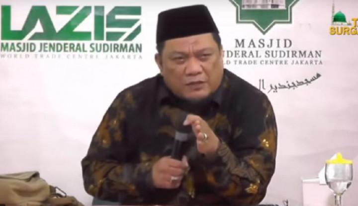 Mengenal Ustaz Yahya Waloni, Pembela UAS - Warta Ekonomi
