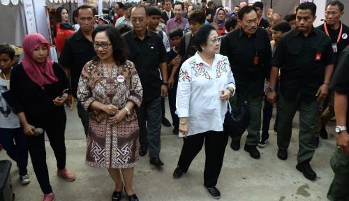 Foto Kunjungi Festival Indonesia Maju, Megawati Tanyakan Relief Eks Bandara Kemayoran