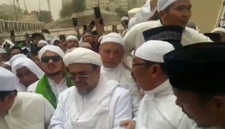 Habib Rizieq Bahagia Tinggal di Arab Saudi - Warta Ekonomi
