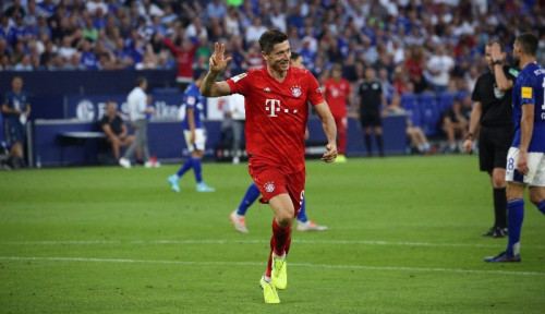 Foto Kerasan di Bayern, Lewandowski Perpanjang Kontrak