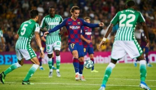 Foto Barcelona Hancurkan Real Betis 5-2, Griezmann Ngamuk