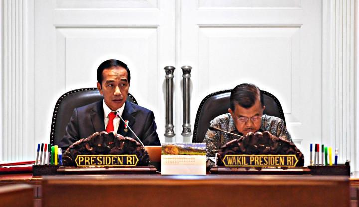 Ketimbang Beli Mobil Baru, Jokowi Lebih Baik Pecat Menteri... - Warta Ekonomi