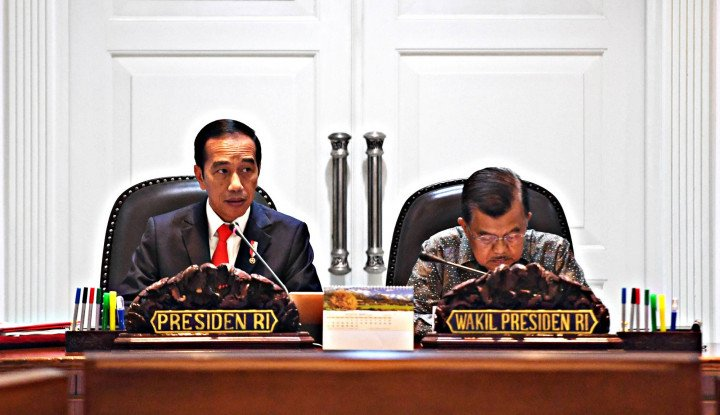 Jokowi Ucapkan Terima Kasih ke Para Menterinya - Warta Ekonomi