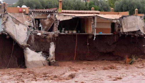 Foto Banjir Bandang Terjang Lapangan Bola di Maroko, 7 Orang Tewas