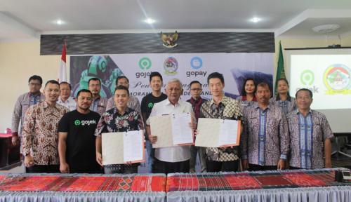 Foto GoPay Mengudara ke Sumatera, Hadir di Pulau Samosir