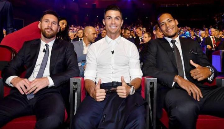 Ronaldo Ingin Makan Malam Bersama Messi, Serius atau Gurauan? - Warta Ekonomi