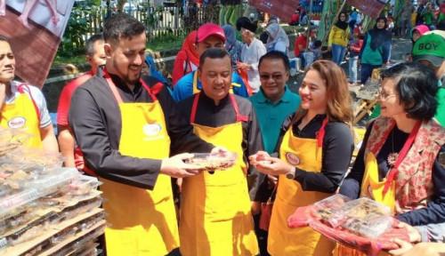 Sasa Catatkan Rekor Muri Budaya Kuliner 10.240 Ikan Asap Krispi