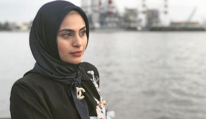 Ada Masalah Keluarga, Asha Shara Lepas Hijab - Warta Ekonomi