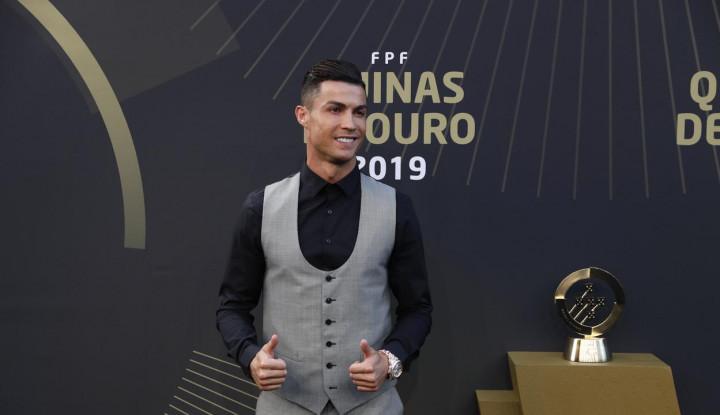 Ronaldo Rebut Gelar Pemain Terbaik Portugal ke-10 - Warta Ekonomi