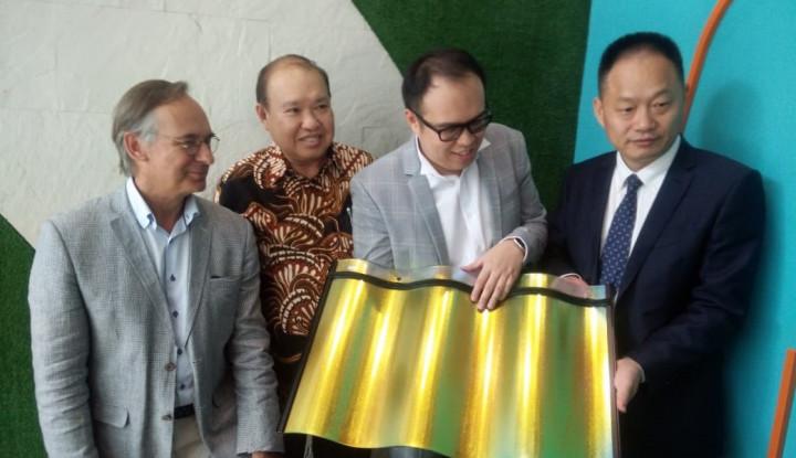Inovatif, Utomodeck Hadirkan Panel Surya Berbentuk Genteng - Warta Ekonomi
