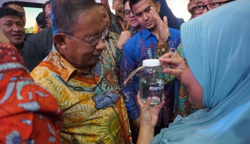 Foto Di Indonesia Fintech Forum, Menko Perekonomian Temui Mitra Usaha Amartha