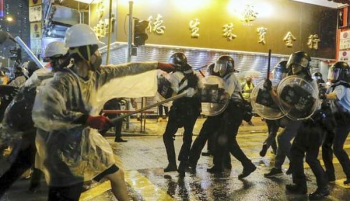 China Ancam Turunkan Militernya Jika Situasi di Hong Kong Tak Kunjung Mereda - Warta Ekonomi