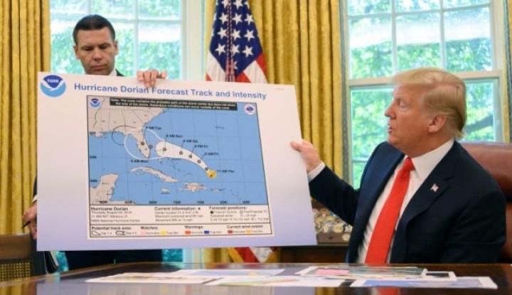 Ketika Donald Trump Salah Berikan Informasi Terkait Badai Dorian - Warta Ekonomi