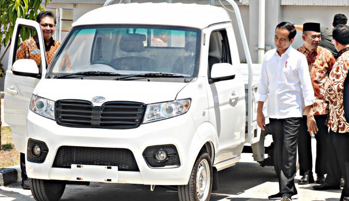 Ucap Jokowi: Esemka Bukan Mobil Nasional - Warta Ekonomi