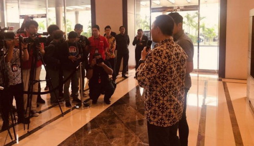 Bentrok Antar Suporter di GBK, Menpora Indonesia Sampaikan Permintaan Maaf