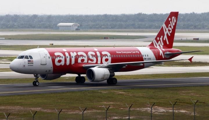 Video Detik-Detik Pesawat Air Asia Meledak dan Mendarat Darurat di Maladewa - Warta Ekonomi