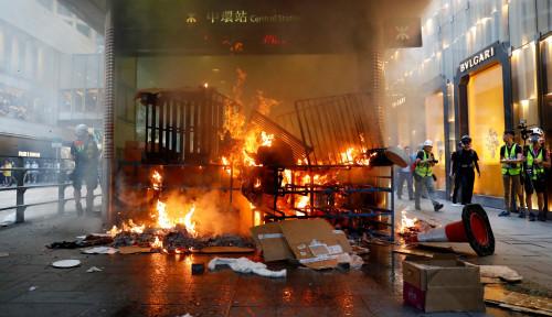 Foto Demo Tak Berujung, Perekonomian Hong Kong Buntung. . .