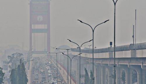 Foto Tak Becus Urus Kabut Asap, Pemerintah Melanggar HAM