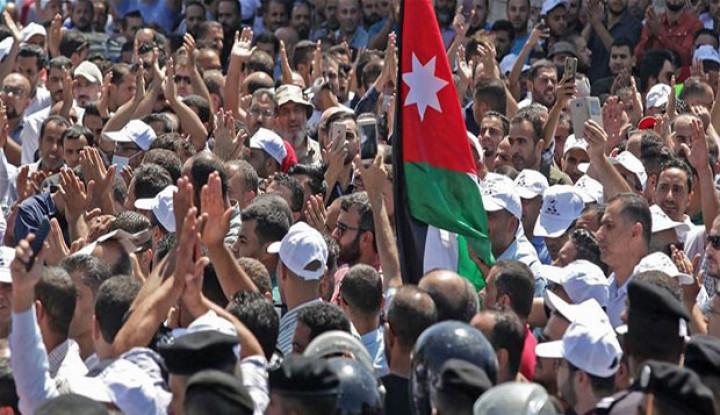 Tuntut Kenaikan Upah, Guru di Yordania Ancam Mogok Mengajar - Warta Ekonomi