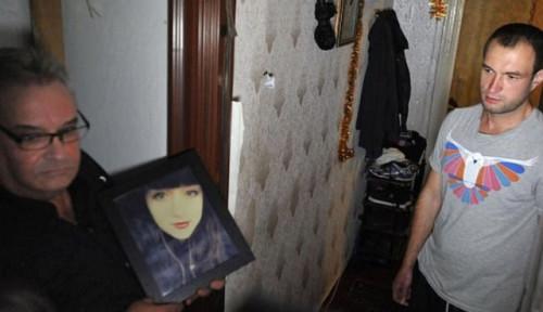 Foto Putrinya Tewas Saat Minum Pil Diet, Seorang Ayah di Inggris 2 Tahun Cari Penjual Obat