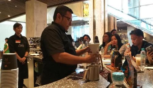 Foto Ashiap! 144 Barista Starbucks Siap Pecahkan Rekor MURI di Hari Kopi Sedunia