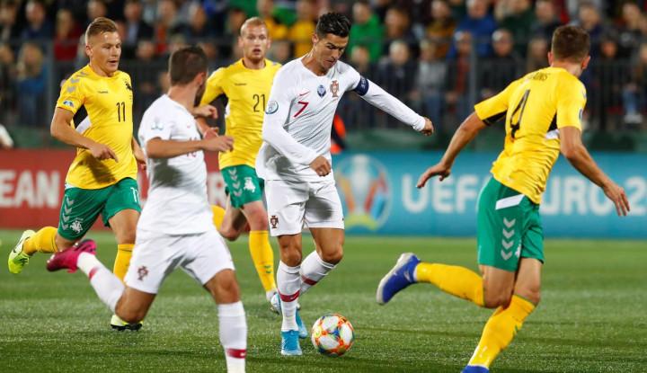 Lumat Lithuania 5-1, Ronaldo Cetak Rekor Baru - Warta Ekonomi